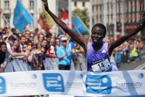 Jane Kiptoo vainqueur du Genève Marathon